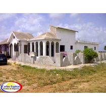Casa De Venta En Higuey, República Dominicana Cv-039
