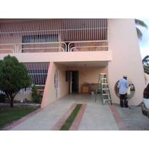 Muy Buena Casa De Dos Niveles En Villa Satelite, Villa Mella