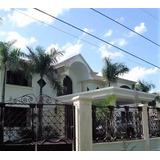 Venta De Casa En Zona Exclusiva De Santo Domingo 4hab