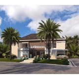 Hermosa Villa En Venta En Hacienda, Punta Cana Resort & Club