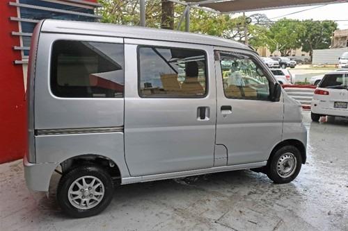 Daihatsu Hijet Con 50mil De Inicial Tenemos Varios Vehículos